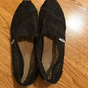 TOMS black lace. Like new condition!